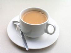 蒜香猪扒饭奶茶图片