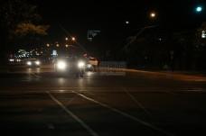 夜间的城市街道