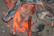 燃烧后的木炭