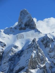 冬天里的雪山