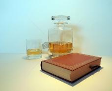 坐落一角的威士忌