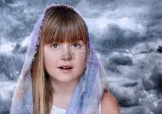 雨中长发女孩