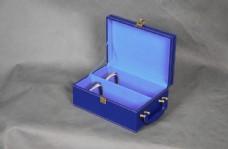 高档蓝色皮制酒具礼品盒图片
