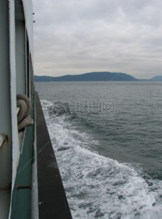 sw_ferry_along_side_1.jpg.JPG
