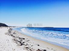 白天在海边的人