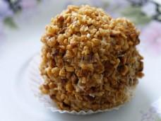 褐色的花生蛋糕