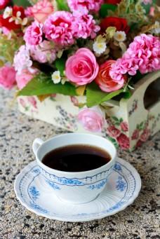 美丽花朵与咖啡图片