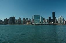 海边的繁华城市