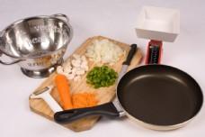 厨房用具和砧板图片