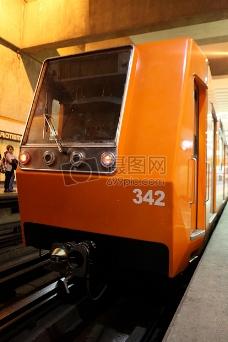 皇家节日,地铁