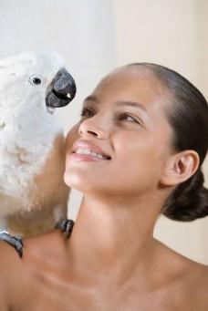 鹦鹉与外国美女高清大图图片