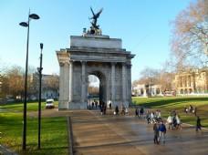 公园的拱门