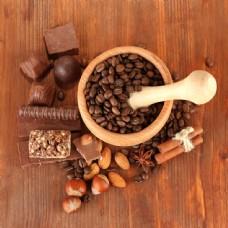 咖啡豆与巧克力干果图片