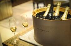 冰镇香槟图片