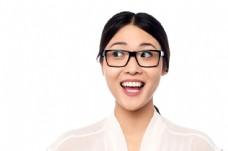 戴眼镜的可爱美女图片