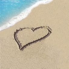 海滩上的爱心