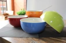陶瓷碗实物图图片