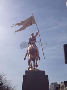 骑着马的雕像